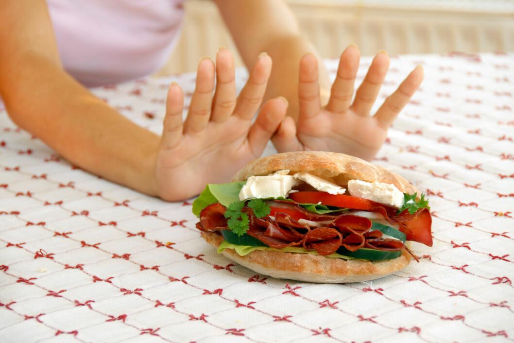 GLUTENALLERGI, LAVKARBO, RAW FOOD-DIETT: Kan gjøre det vanskelig å arrangere middagsselskaper eller venninnekvelder... Foto: Julija Sapic - Fotolia