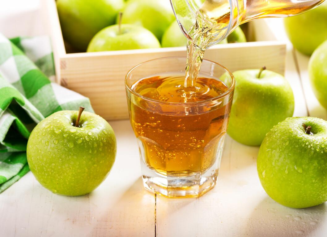 JUICE: Juice er laget av 100 prosent presset saft fra frukt, bær eller grønnsaker.  Foto: Nitr - Fotolia