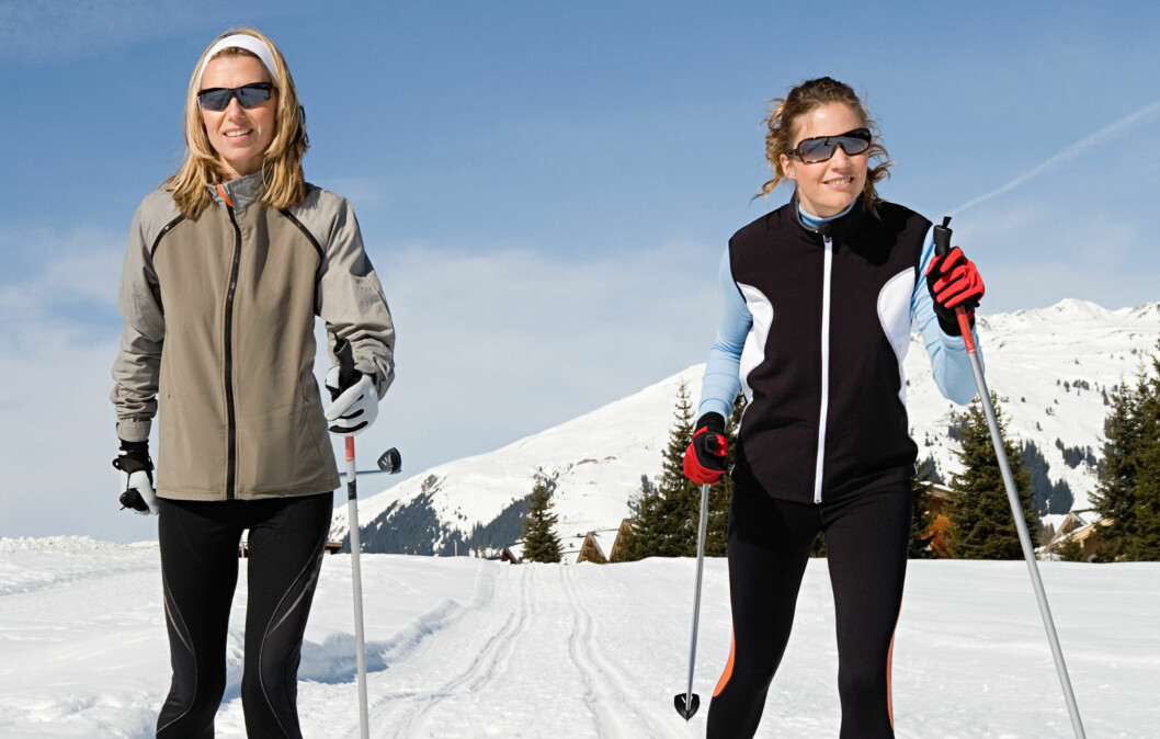 <strong>UT PÅ TUR:</strong> Det er supre skiforhold i Norge nå. Men det er viktig å ta noen forholdsregler før du stikker ut i løypa - blant annet er det viktig med gode klær, solkrem og solbriller.  Foto: Image Source