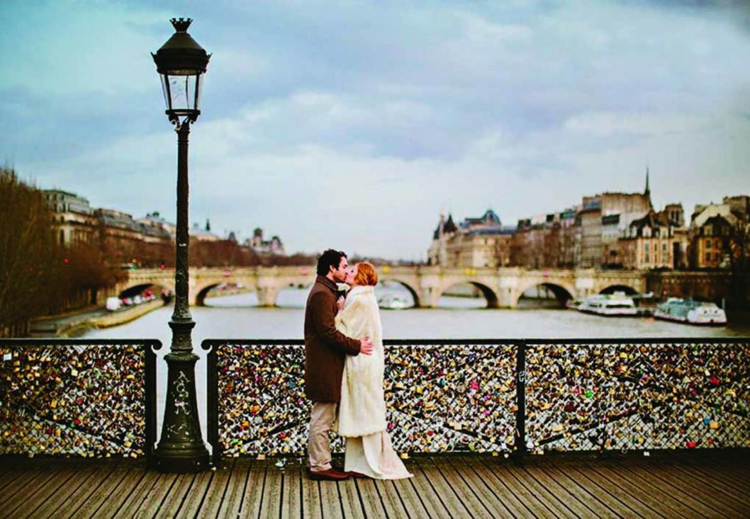 PARIS: Frankrikes hovedstad er den mest romantiske byen for mange. Foto: All Over Press