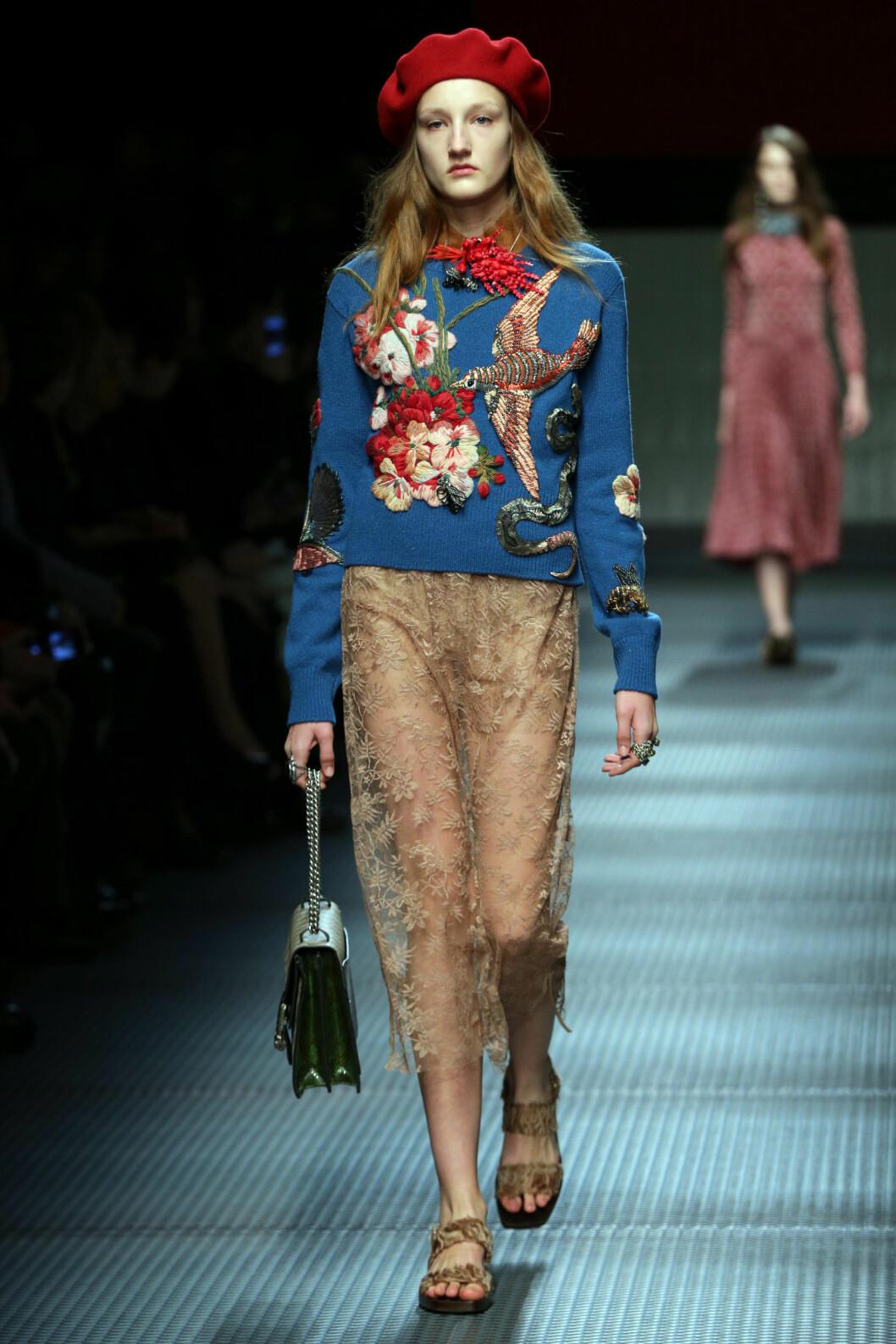 BRODERIER OG TRANSPARENTE STOFFER: Gucci, høst/vinter 2015/2016. Foto: insight media/All Over Press