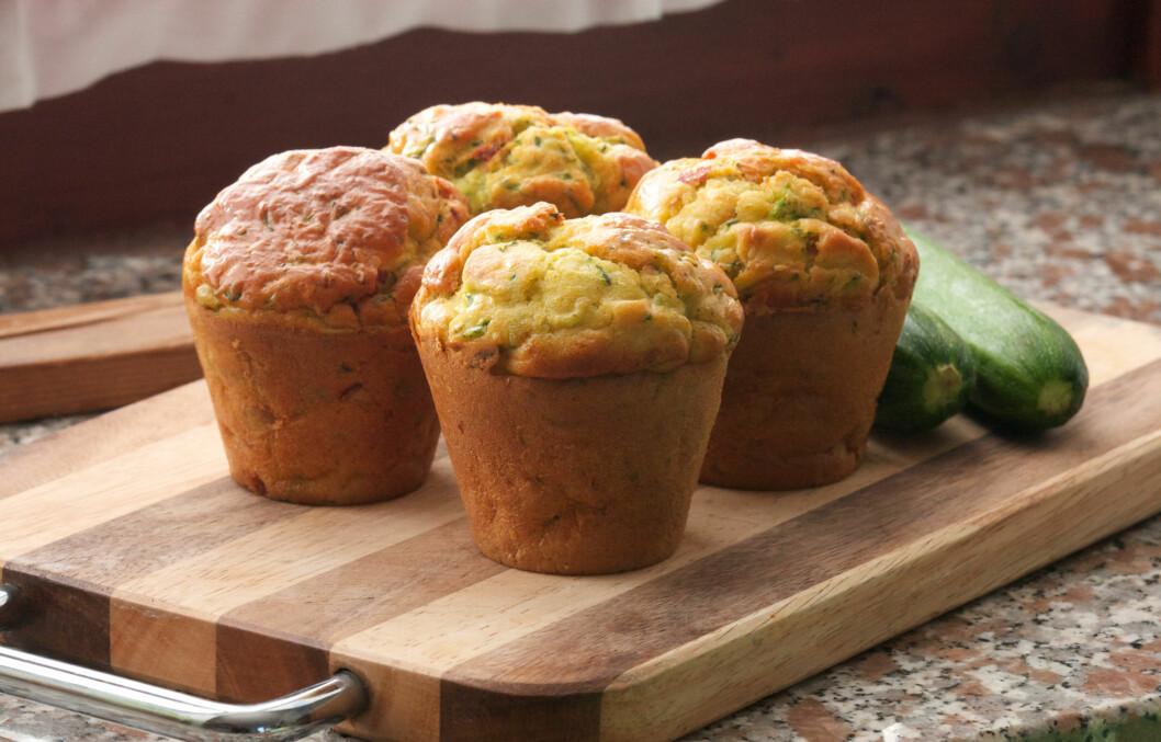 TILSETT GRØNNSAKER: Et enkelt triks for å gjøre baksten litt sunnere, enten det er muffins, brød eller rundstykker, er å tilsette litt grønnsaker i deigen. Se hvilke du kan teste ut lenger ned i saken.  Foto: Fotolia