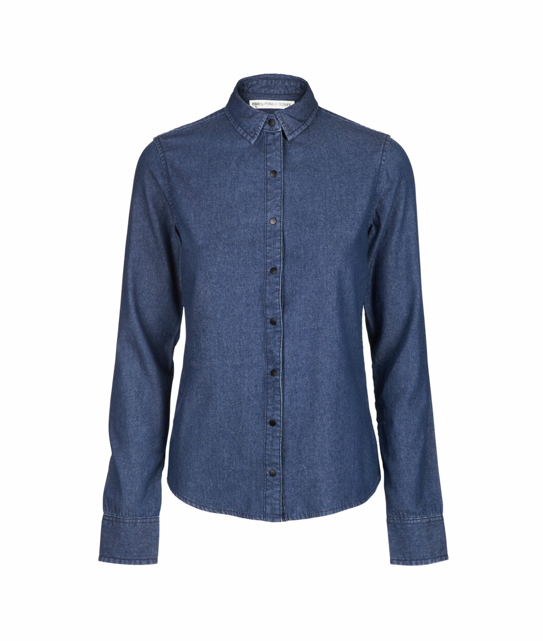 LIKE LEKKERT. Brukervennlig denim er ikke vanskelig å finne. Her en skjorte fra Envii by Pernille Teisbek (kr 500).