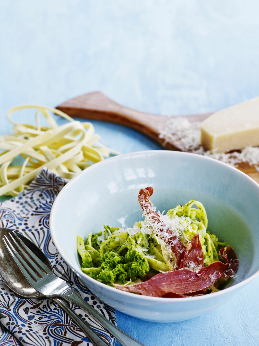 <strong>DILL:</strong> Superenkel pasta med mynte, dill og parmesan. Perfekt til mandag! Foto: All Over Press