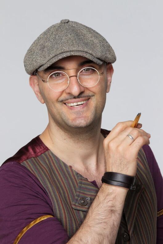 <strong>EKSPERTEN:</strong> Fred Hamelten er landets mest populære øyenbrynsstylist. Foto:  Studio 2 Egmont