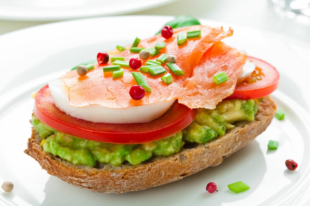 <strong>BEDRE ENN SMØR:</strong> Bytt ut smøret med avokado for en sunnere brødskive.  Foto: Tiramisu Studio - Fotolia