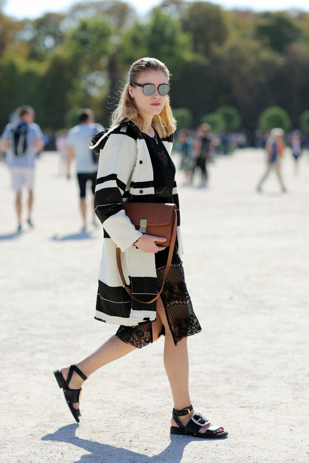 JAKKEN: Annabel Rosendahl tok i bruk stripetrenden under Paris Fashion Week i høst. Foto: Silvia Olsen/REX/All Over Press