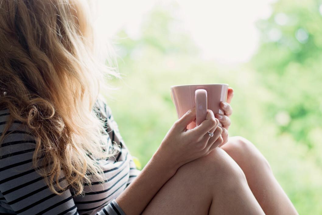 <strong>BEDRE HELSE:</strong> En studie viser at te-drikkere har bedre helse enn andre. Kanskje det er en god nok grunn til å bytte ut den faste kaffen med en varm kopp te?  Foto: laszlolorik - Fotolia