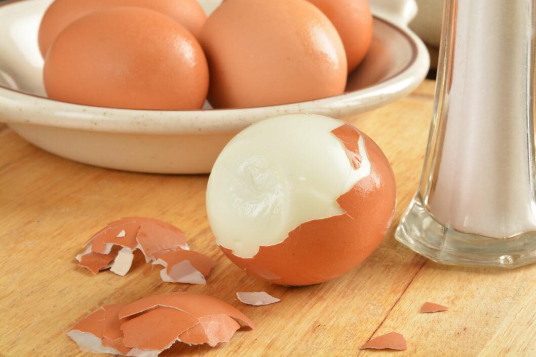 KOK DEM I OVNEN: Visste du at du kan lage perfekt hardkokte egg i ovnen? Smart hvis du skal lage til en stor frokost.  Foto: MSPhotographic - Fotolia