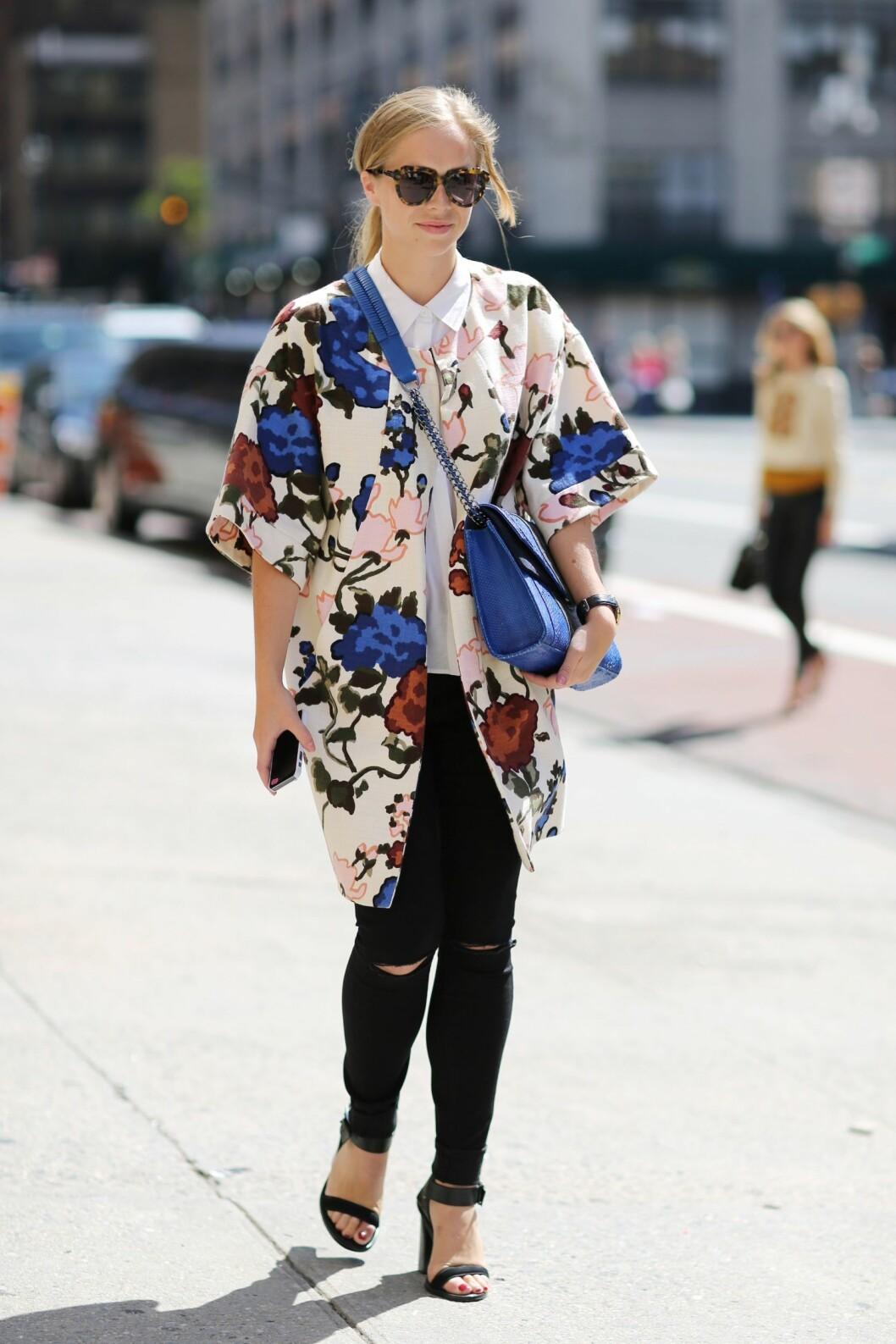 Bytt ut den mørke vinterkåpen med en blomstret variant. Foto: All Over