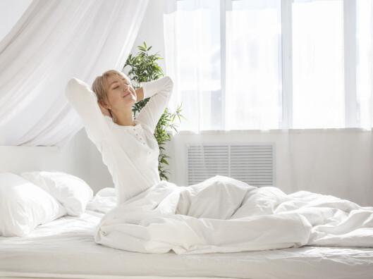 IDEELL SOVETEMPERATUR: Du bør faktisk ha jevn og høyere temperatur på soverommet på vinterstid. Kjør eventuelt opp temperaturen innimellom for å få det til å tørke skikkelig opp og unngå muggvekst. Foto: Fotolia