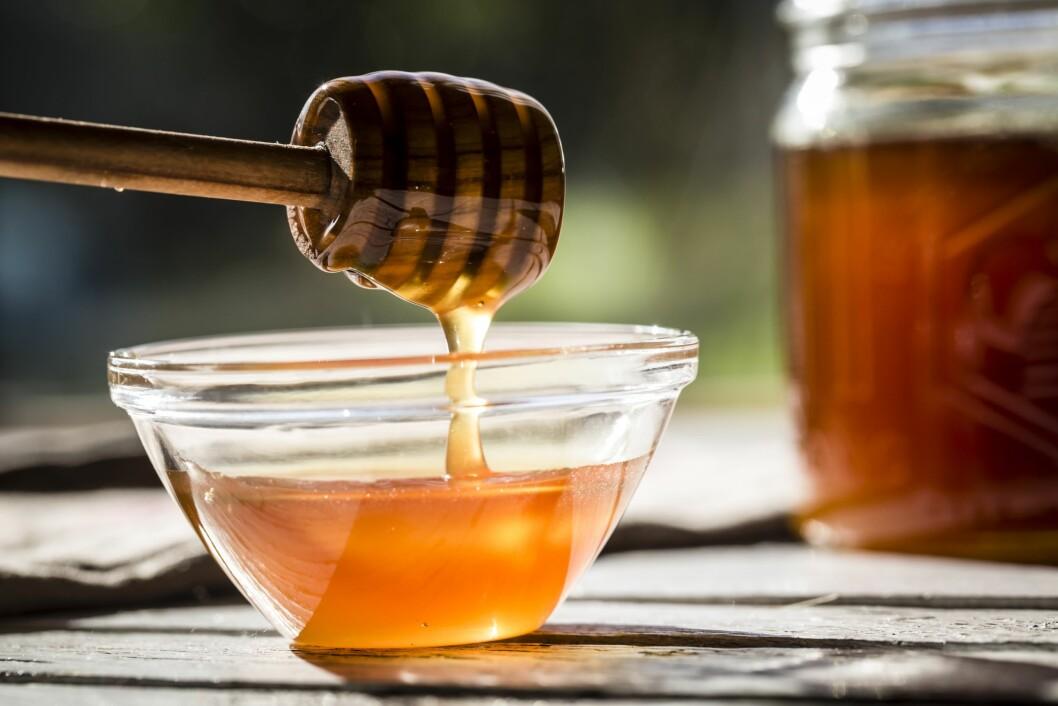 <strong>NATURLIG SØTT:</strong> Honning er ifølge Berit Nordstrand en smartere måte å spise søtt på, enn sukker.  Foto: All Over Press