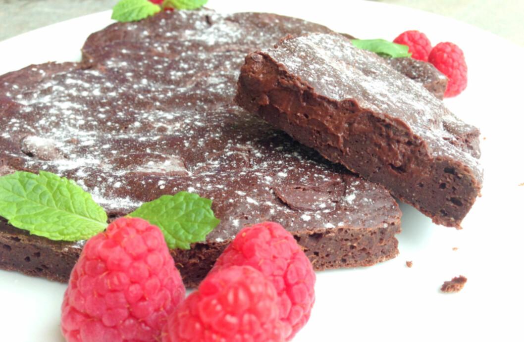 BROWNIES: Stuhaugs brownies med innbakt sjokoladeglasur.  Foto: Linda Marie Stuhaug