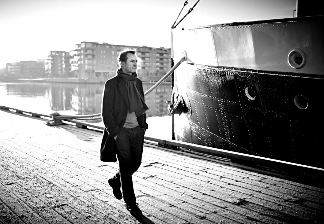 BOKAKTUELL: Lars Kittilsen (45) er aktuell med boken «Hei jeg heter Lars … En alkoholikers dobbeltliv». Den tidligere sjefredaktøren i Varden jobber i dag som rådgiver i rådgivningsfirmaet Onesto og holder også foredrag.   Foto: Geir Dokken/All Over Press Norway