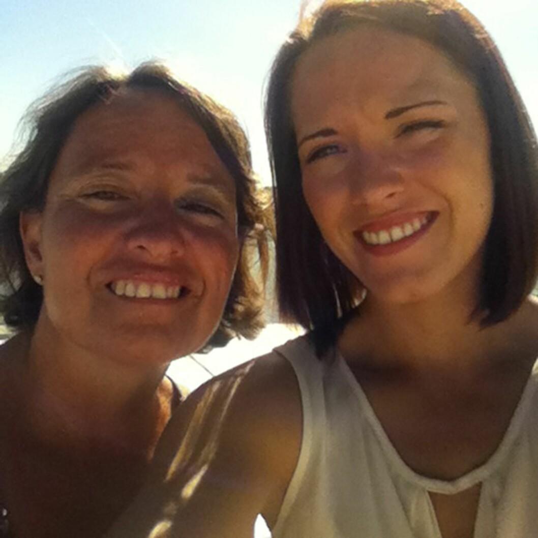 MOR OG DATTER: Marthe Helene studerer i London, men besøker moren sin så ofte hun kan. – Barna mine er det kjæreste jeg har, sier Lena.