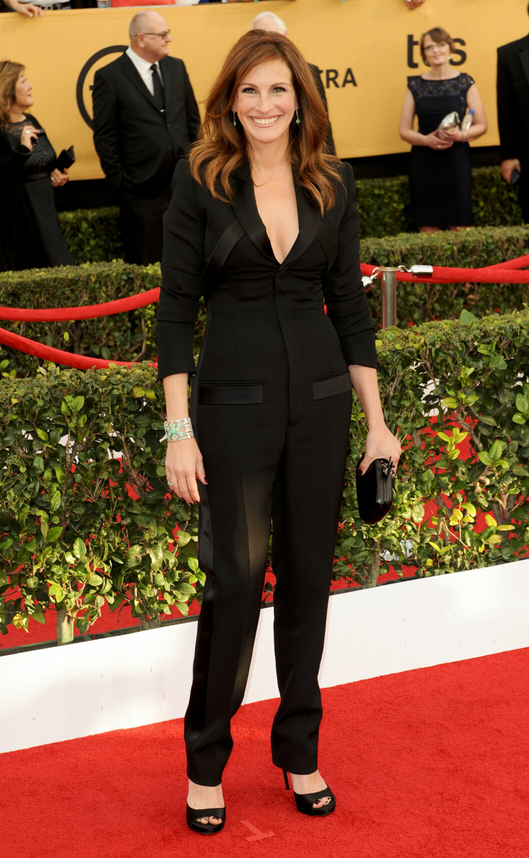 SVART: Julia Roberts valgte å kjøre på med svart og lot smykkene stå for fargene.  ***21st Annual Screen Actors Guild Awards held at the Shrine Auditorium in Los Angeles on January 25th, 2015***  Foto: All Over Press