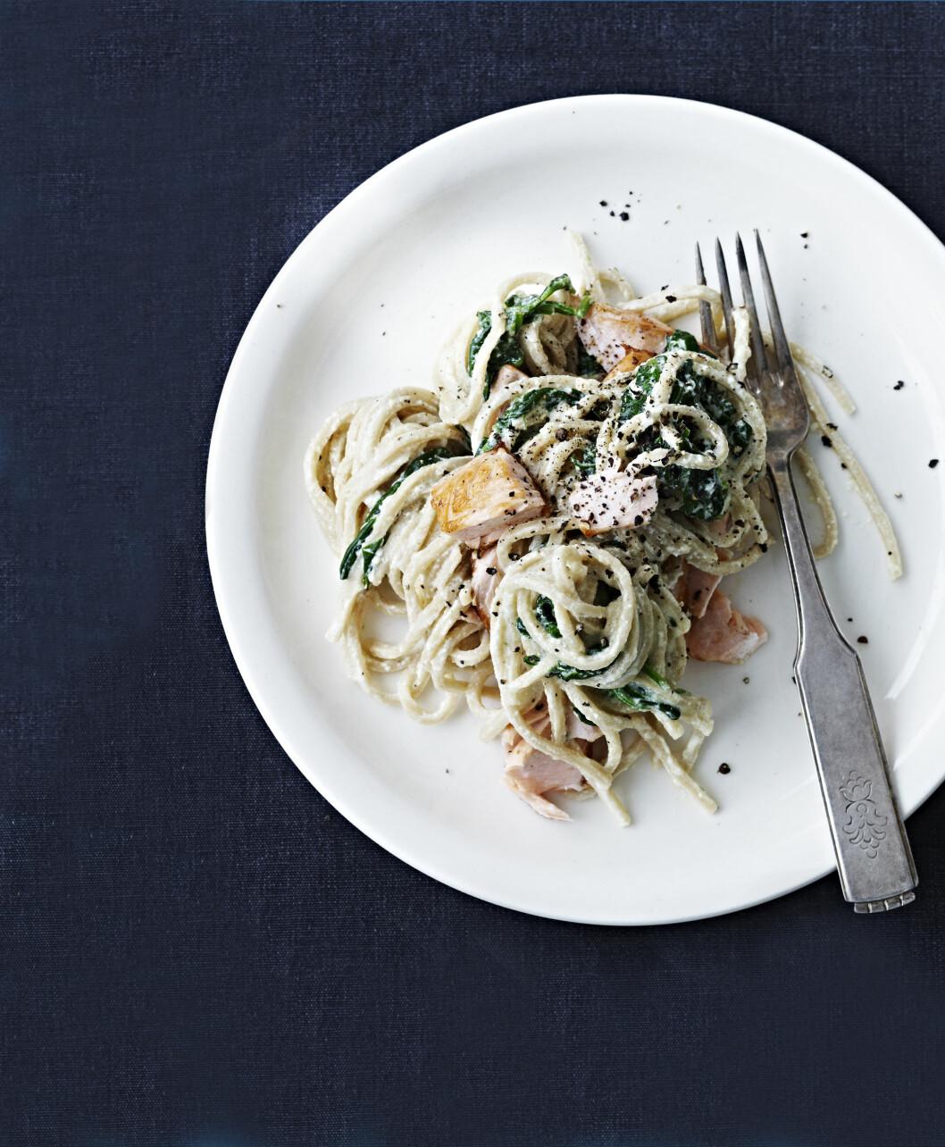 <strong>ENKEL PASTA:</strong> Enkle pastaretter er en superfavoritt! Denne smaker deilig med et raust dryss svart pepper. Foto: All Over Press