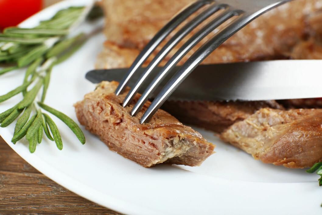 TØRT KJØTT? Det er lite vits i å tørrsteke kjøttet. Det resulterer egentlig bare i en dårlig middag.  Foto: Fotolia