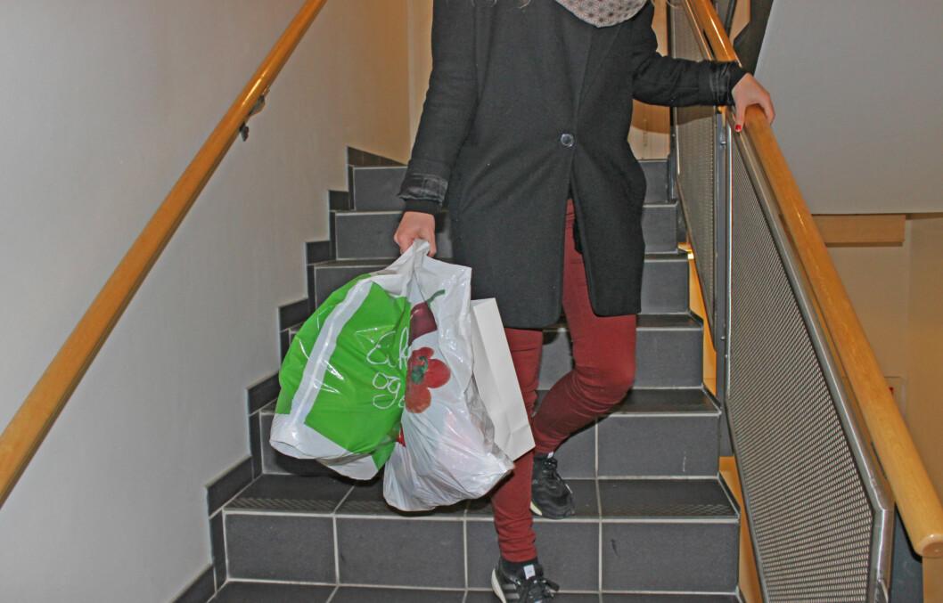 <strong>STORHANDEL:</strong> Pakker du handleposene dine riktig? Hvis du bruker litt tid kan det være gunstig for varene dine og helsa.   Foto: KK.no