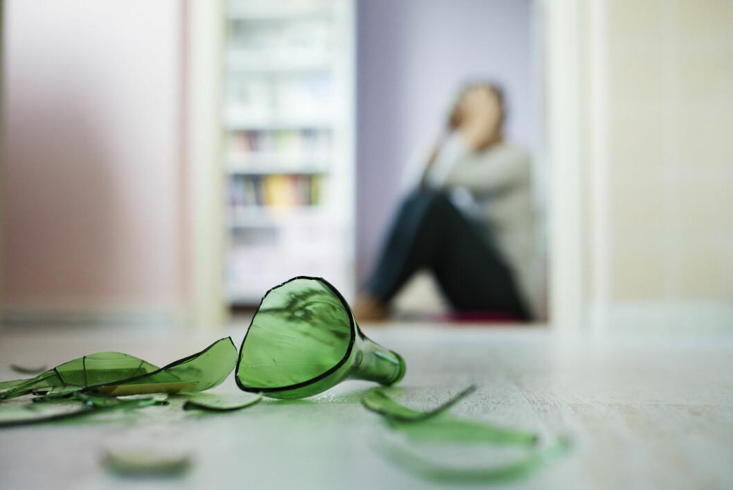 KAN I VERSTE FALL ENDE MED DRAP: Det er tilfeller hvor vold i hjemmet har endt med drap. Det er derfor svært viktig å oppforde kvinner til å oppsøke hjelp. Det er imidlertid også viktig at menneskene rundt tør å spørre dersom de har mistanke Foto: Halfpoint - Fotolia