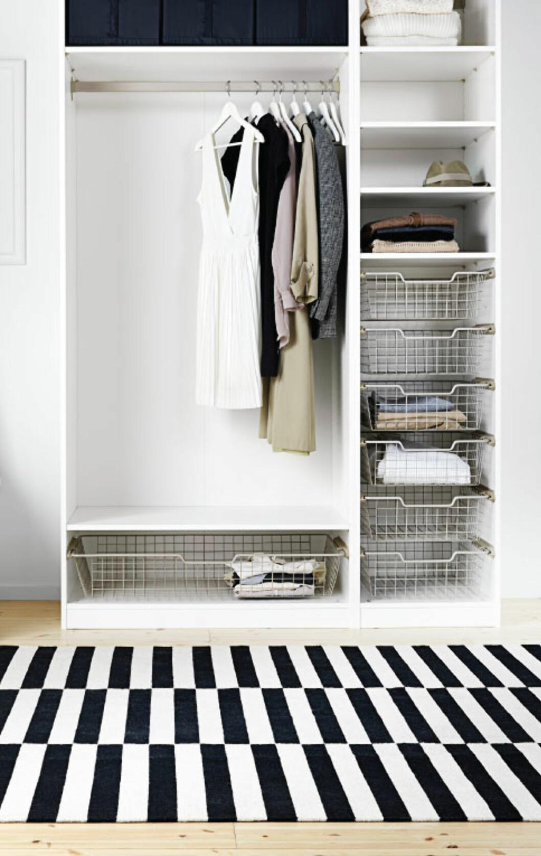 RYDD OPP: Rydd plass i garderoben før du går amok på salget! Foto: All Over Press