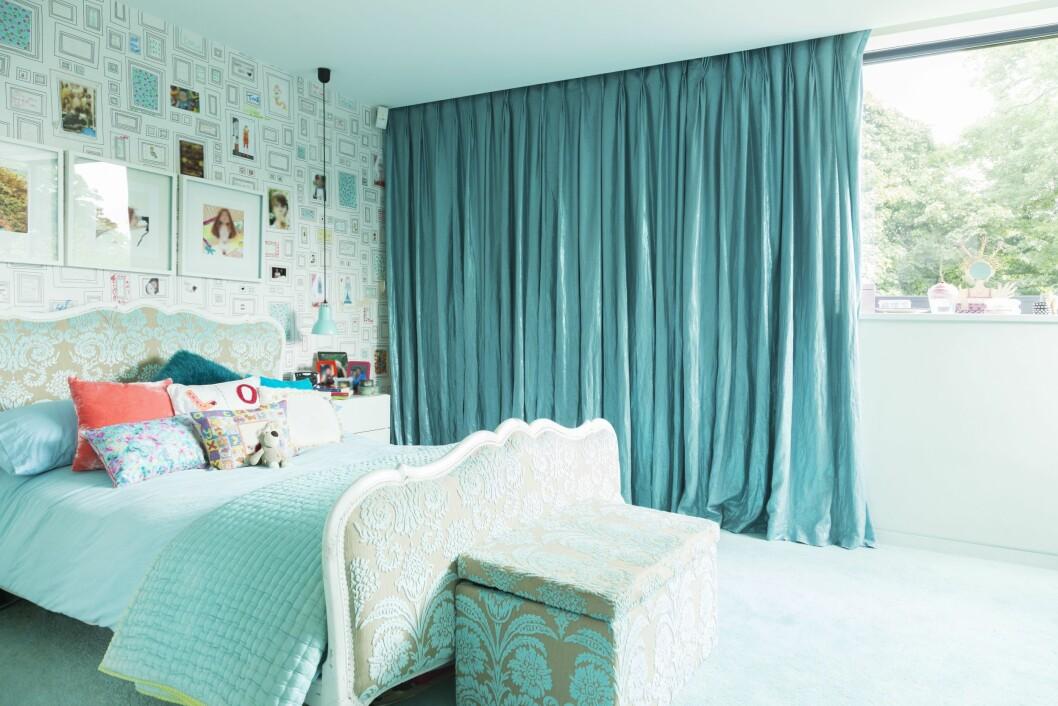 FARGETONER: Gå gjerne for farger som blått, grønt og lilla på soverommet. Det vil ha en avslappende effekt. Foto: REX/Caiaimage/All Over Press