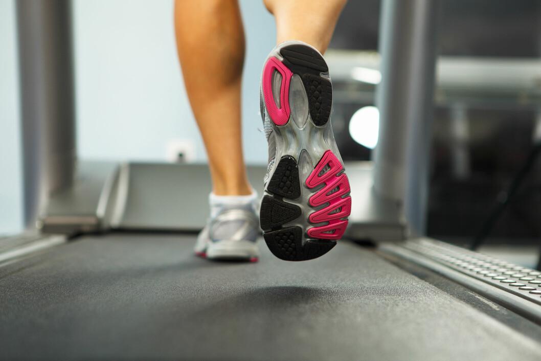 JUSTER STIGNINGEN: Ifølge løpeeksperten vil ikke en økt på tredemølla gi samme effekt som en økt ute, og du bør derfor sette stigningen på 1.0 til 1.5 prosent.  Foto: Sergey Nivens - Fotolia