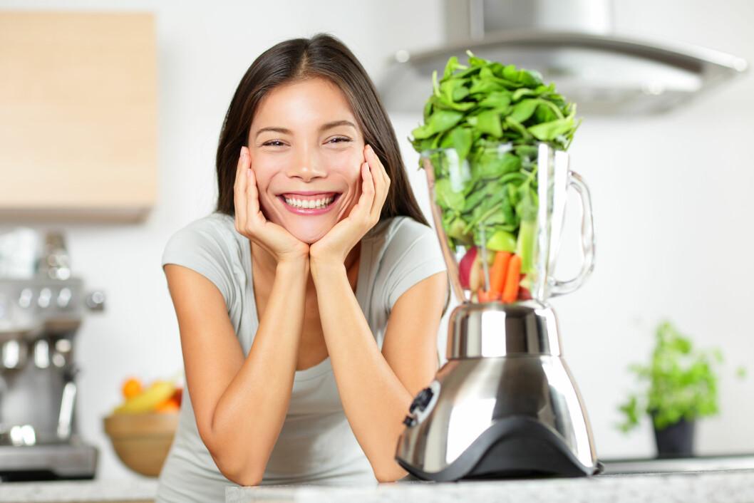 FROKOSTSMOOTHIE: Har du lyst til å prøve en frokostsmoothie, men mangler inspirasjon. Vi har spurt matbloggerne om deres beste oppskrifter! Foto: Maridav - Fotolia