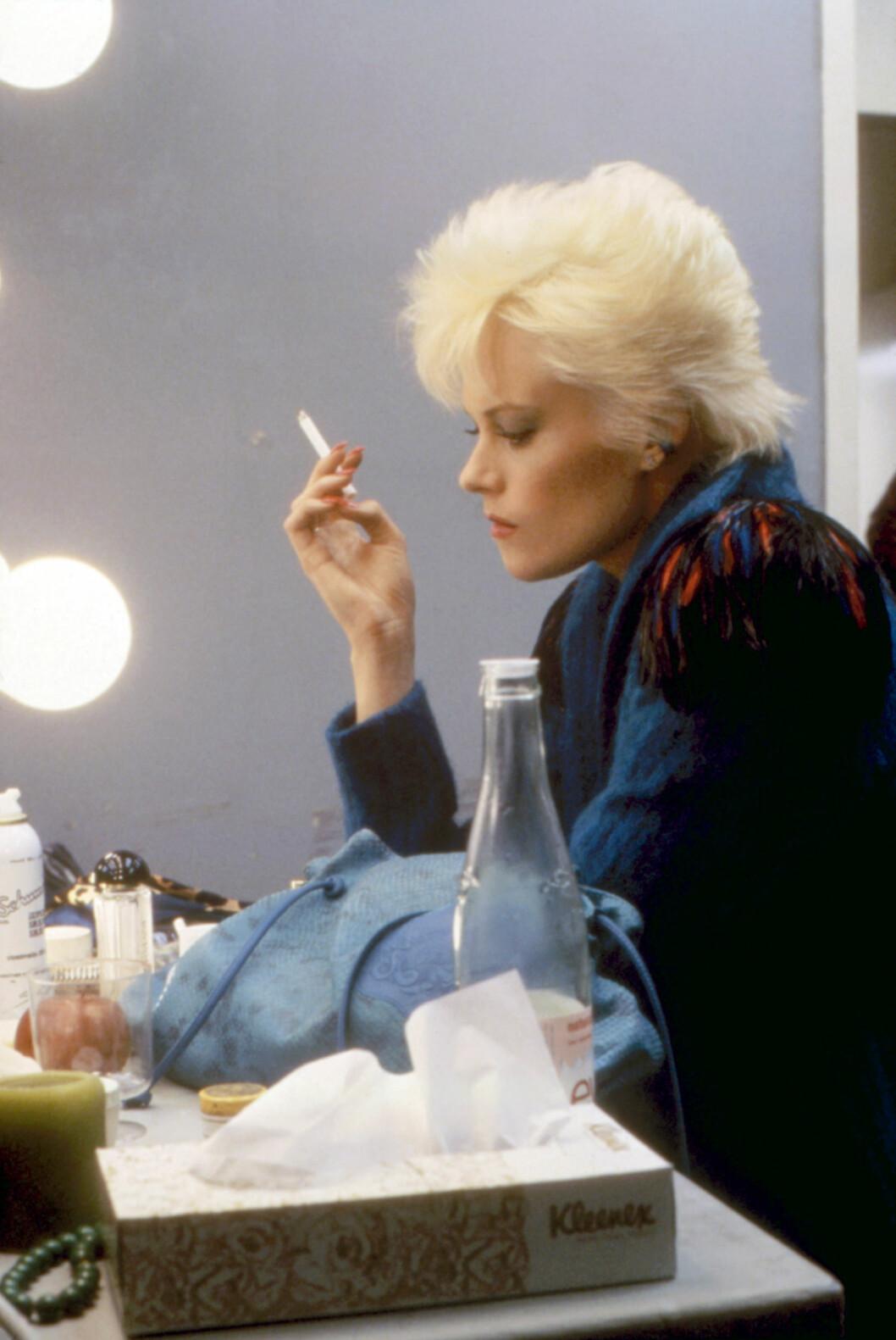 Hvit, luftig og stram piggsveis- Melanie Griffith i Body Double i 1984.  Foto: ©Columbia Pictures/Courtesy Eve