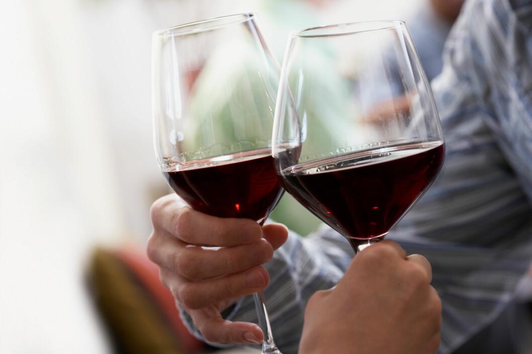 GJENBRUK: Vinen varer helt til...? Det finnes mange andre måter du kan bruke vinen på enn å drikke den.  Foto: All Over Press