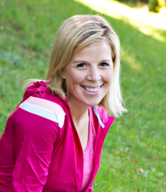 EFFEKTIV HJEMMETRENING: KKs treningsekspert - Anne Marte Sneve, viser deg enkle og effektive treningsøvelser, som du kan gjøre i din egen stue.