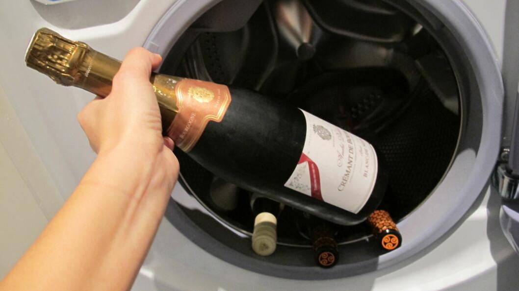 SMART: Bruk vaskemaskinen som en gigantisk drikkekjøler. Foto: Stine Okkelmo