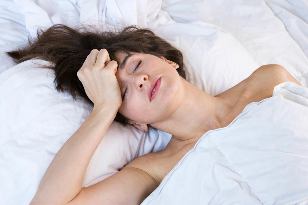 OBSERVERES: Det anbefales at man ikke er alene den første natten etter en hjernerystelse, og man bør vekkes to ganger den første natten for å være sikker på at reaksjonene er normale.  Foto: David J. Green - lifestyle 2 / Alamy/All Over Press