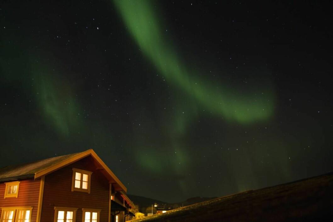Magisk nordlys: Med stjerneklar himmel over Sortland og Vesterålen Sjøhus lå forholdene til rette for en magisk nordlysopplevelse.