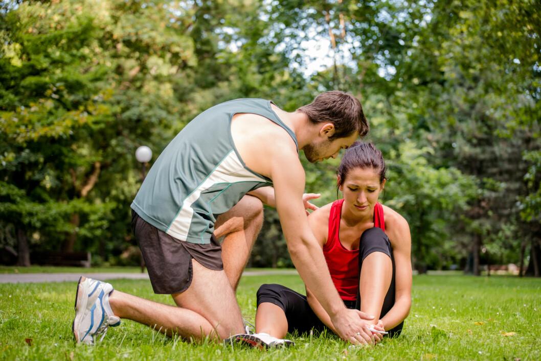 SKADE: Vanlige skader ved overdreven løping kan være smerter i akillessenen eller senene under beinet. Leggene kan også få en overbelastning, og noen kan få beinhinnebetennelse.  Foto: Martinan - Fotolia