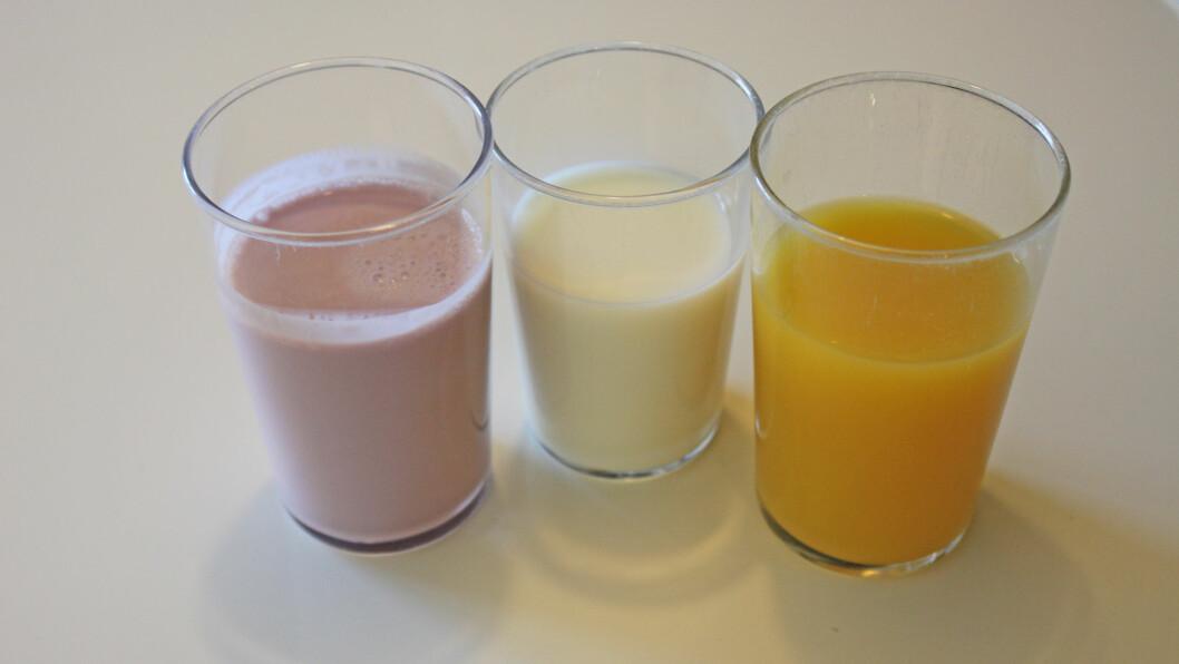 FROKOSTDRIKKE: Bør du velge syrnet melk, melk eller juice til frokost? Foto: KK