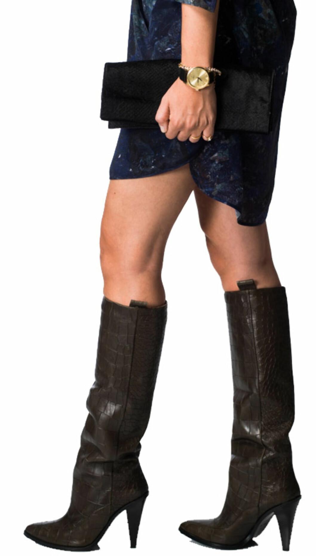 VELG RIKTIG HØYDE PÅ SKAFTET: Støvletter som stopper rett under kneet er en flatterende lengde for de fleste. Foto: Ole Martin Halvorsen