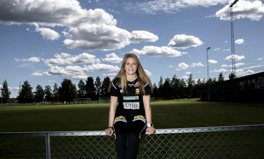 <strong>ENDELIG:</strong> Ingrid Kvernvolden fullførte denne uka videregående. Nå skal hun flytte og rette alt fokus mot fotballen. Foto: Tomm W. Christiansen / Dagbladet