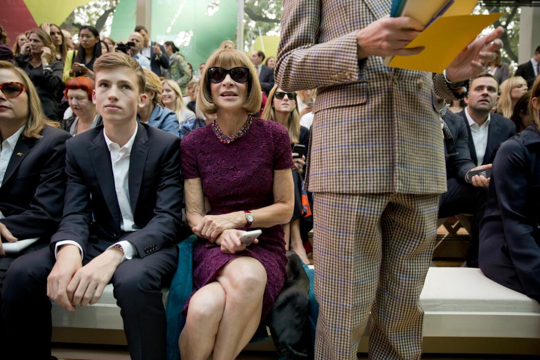 ANNA WINTOUR PÅ FØRSTE RAD: Ja, hva synes egentlig Vogues sjefredaktør om Burberry-visningen? - Bra, kommer det jort og kontant.  Foto: Sara Johannessen / KK