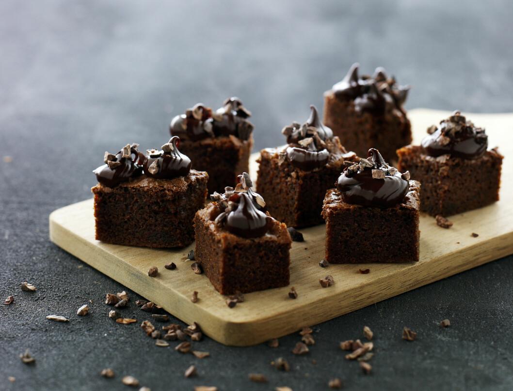 <strong>ETTER MIDDAG:</strong> Denne konfektkaken er en perfekt søtsak etter en god middag. Foto: Lars Ranek/All Over Press