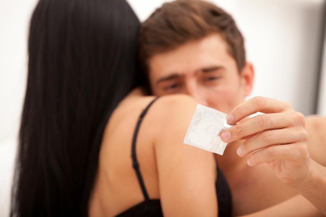 <strong>ØDELEGGER STEMNINGEN:</strong> Mange menn synes at det å bruke kondom ødelegger stemningen.  Foto: marinasvetlova - Fotolia
