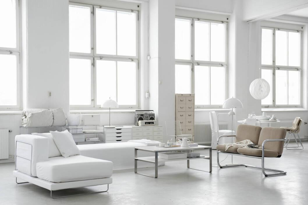 LEKRE TREKK: Bemz.com fører trekk til Ikeasofaer og stoler i en mengde farger og forskjellige design, men også helt hvite lintrekk. Foto: Produsentene