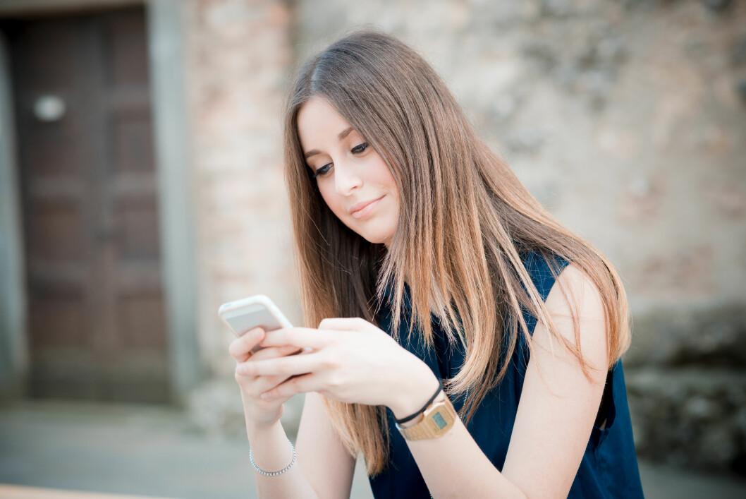 ØDELEGGENDE?: Er det egentlig slik at Tinder og andre nettdatingstjenester ødelegger for kjærlighetslivet ditt? Foto: Eugenio Marongiu - Fotolia