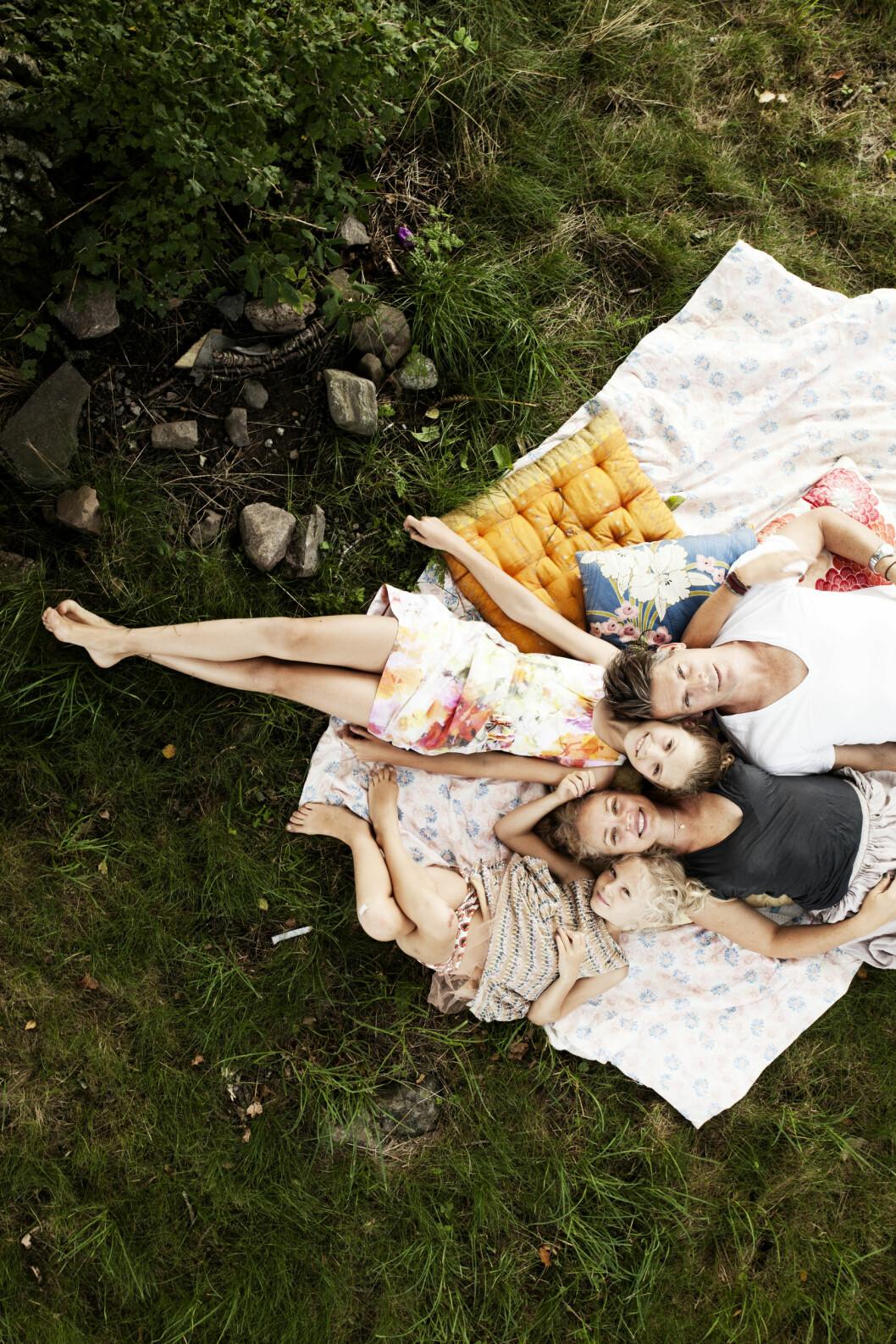 FANT DET PERFEKTE: Denne familien har virkelig truffet jackpot med sommerhuset sitt! Foto: Jenny Brandt/Linnea Press