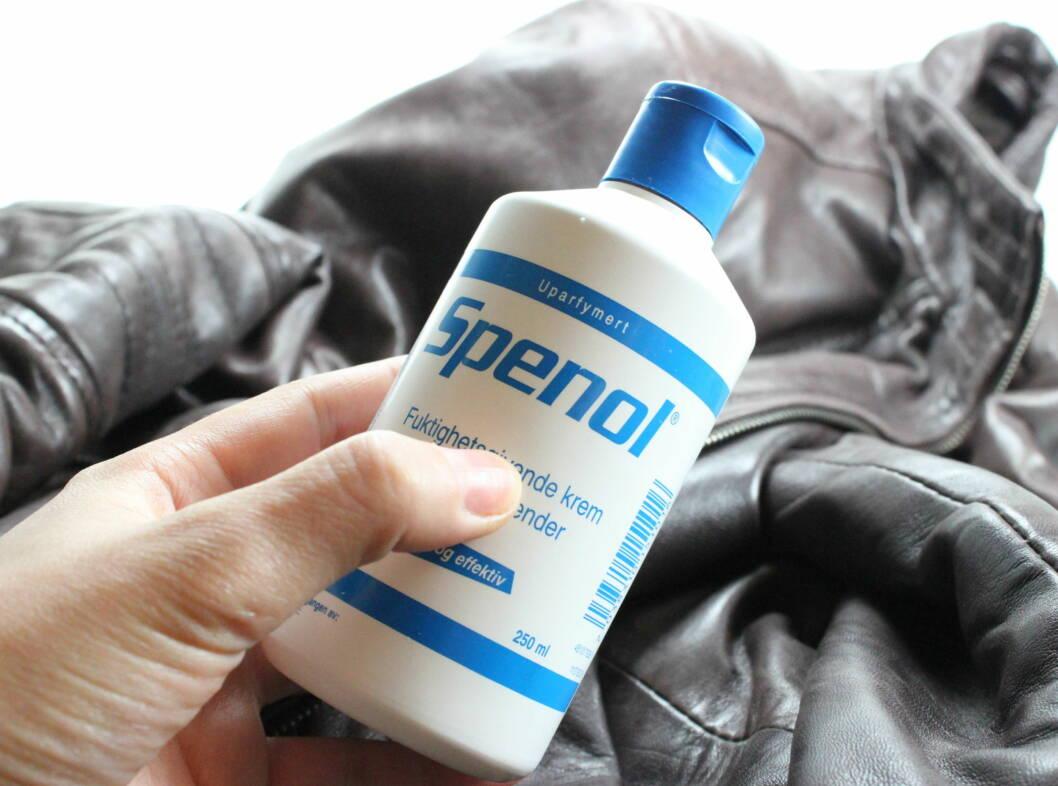 GENIALT TIPS: Bruk spenol på skinnjakken din, så holder den seg fin lenger.  Foto: Per Ervland