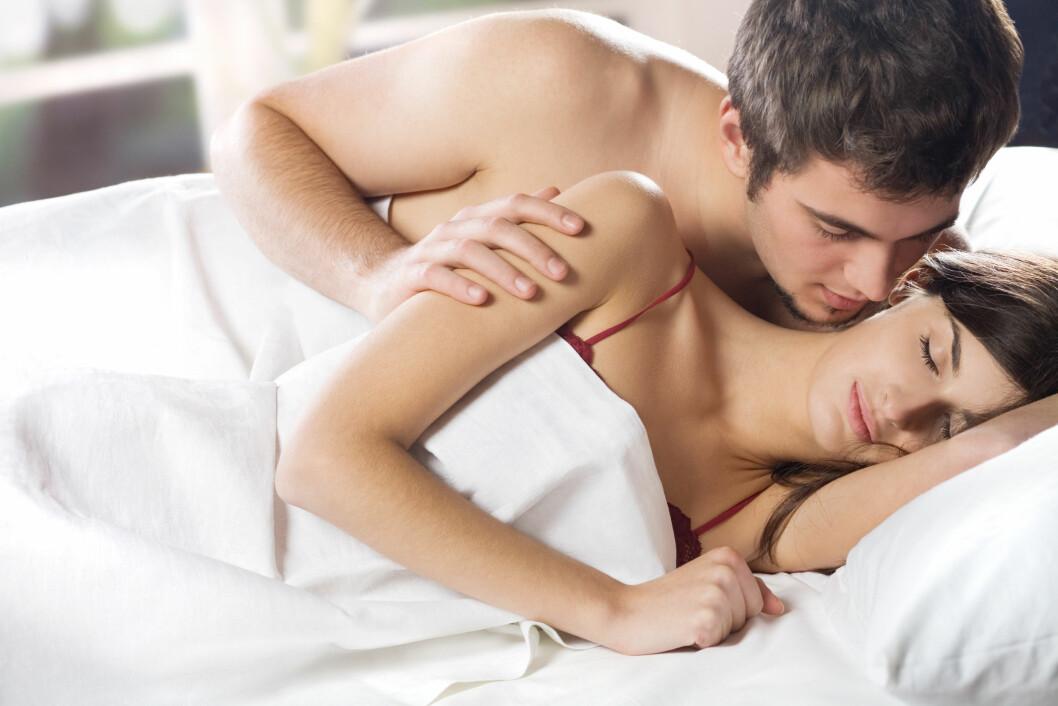 <strong>ROMANTISK:</strong> Det å ha forspill gjør at seansen varer lengre og blir mer romantisk. I tillegg kan det gi dere begge kraftigere orgasme. Foto: vgstudio - Fotolia