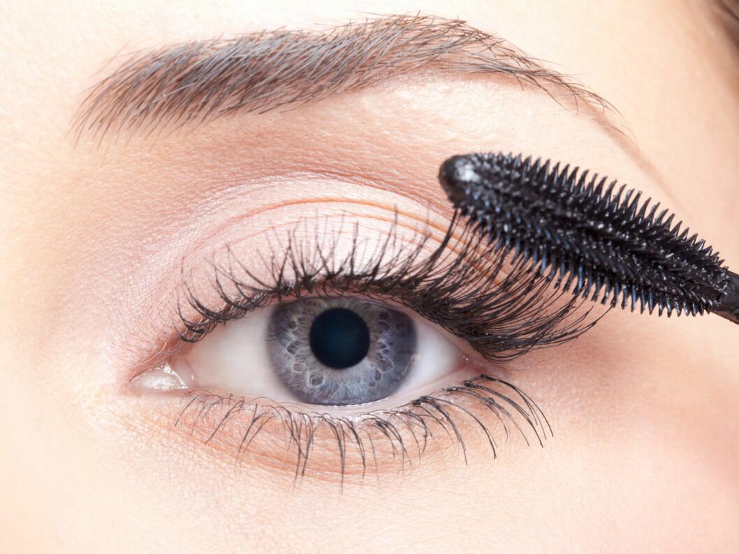 ÅPNER BLIKKET: Mørkere vipper rammer inn øynene og gir et mer åpent blikk.  Foto: Serg Zastavkin - Fotolia