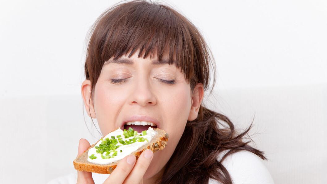 BRØD: Vi nordmenn er glad i brød, og spiser det gjerne til både frokost, lunsj og kveldsmat. Men hvor mye brød er det egentlig greit å spise i løpet av en dag? Foto: drubig-photo - Fotolia