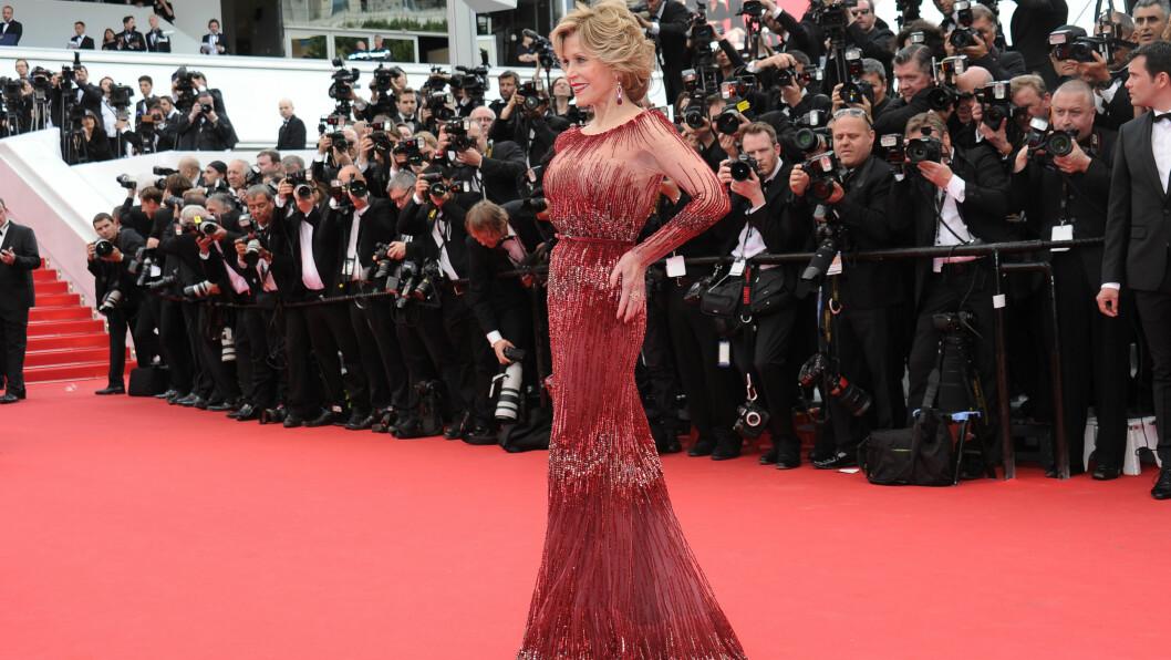 <strong>JANE FONDA:</strong> 76-åringen tok pusten fra alle på den røde løperen under filmfestivalen i Cannes i sin Elie Saab-kjole. Foto: All Over Press