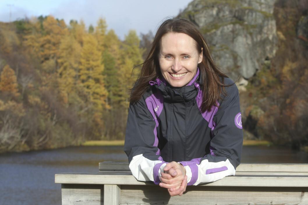 LEVER MED KRONISK SYKDOM: Etter elleve år i modellbransjen, er Helle nå tilbake i Bodø, hvor hun jobber som lærer.  Foto: Helge Grønmo